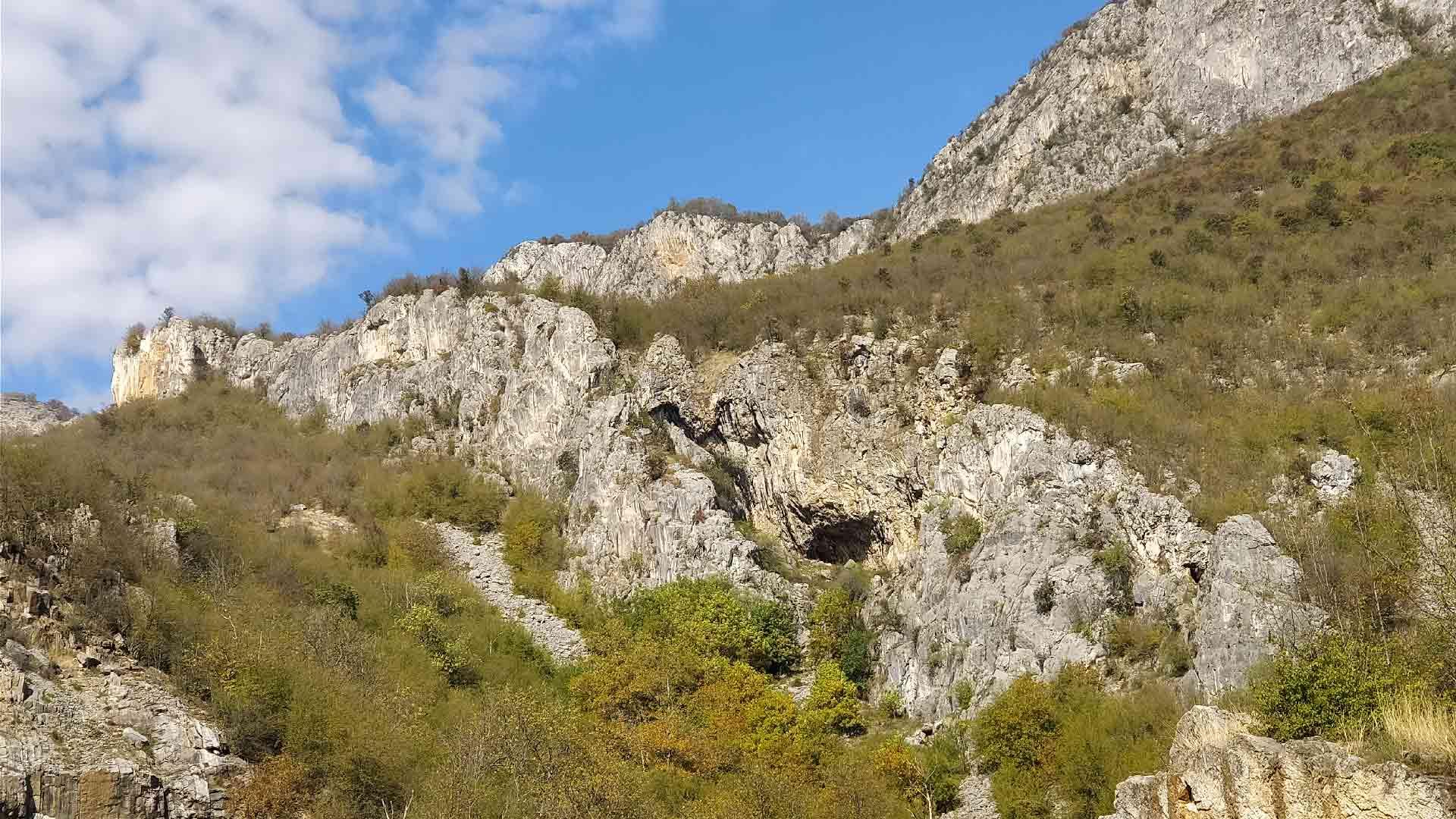 Пещера в Болгарии, скалолазание