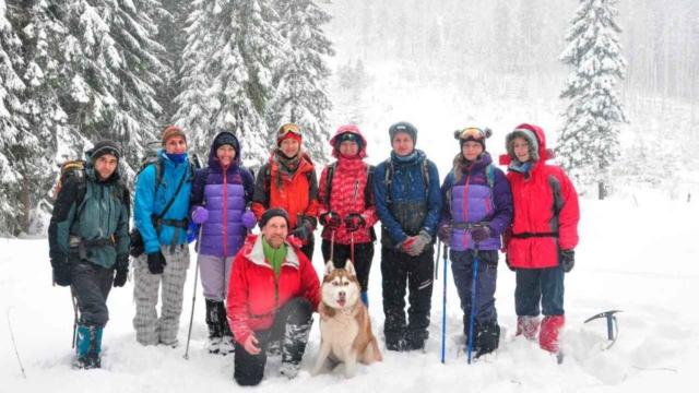 Участники выезда в снежных Карпатах