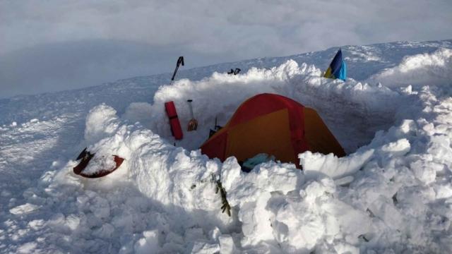 Палатка на вершине Говерлы